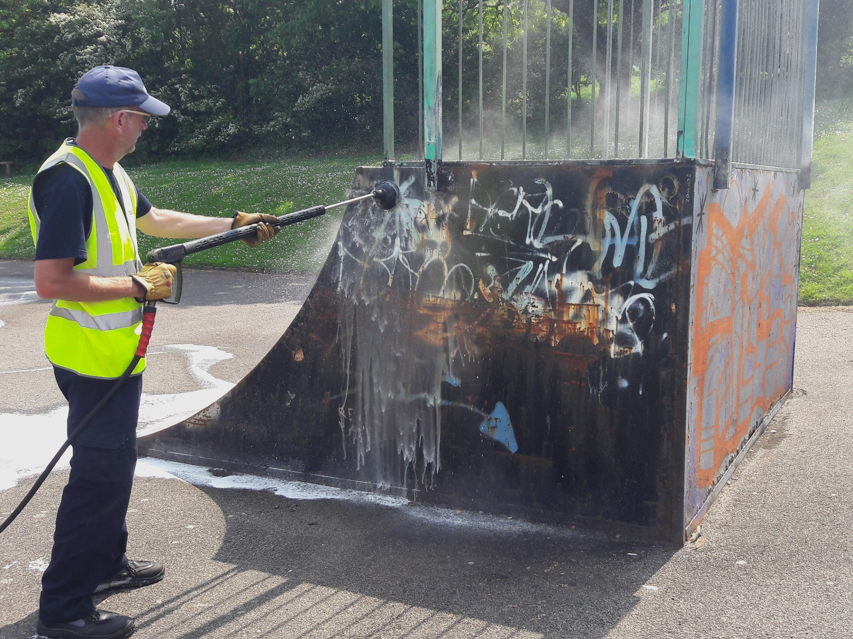 Burleys using Foamstream on graffitti