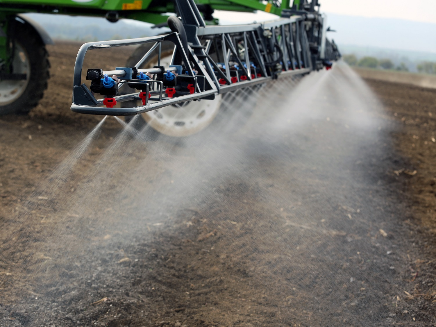 Using herbicides to prepare a field for sowing