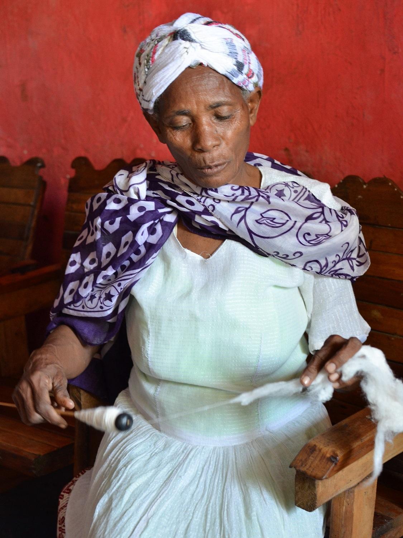 Wudinesh Kuricho spinning sustainable cotton